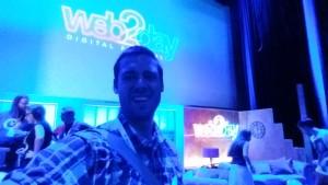 Selfie sur la scène de la salle Maxi
